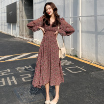 Dress Spring 2021 Purplish red, green S,M,L,XL Mid length dress singleton  Long sleeves commute V-neck High waist Broken flowers Socket A-line skirt pagoda sleeve Others 18-24 years old T-type Simplicity Button, print 51% (inclusive) - 70% (inclusive) Chiffon polyester fiber