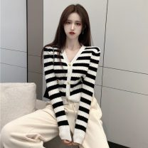 Wool knitwear Spring 2021 Average size Picture color Long sleeves singleton  other 31% (inclusive) - 50% (inclusive) have cash less than that is registered in the accounts routine V-neck stripe ysg6609 18-24 years old Other / other