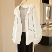 short coat Spring 2021 S M L white Long sleeves have cash less than that is registered in the accounts routine singleton  easy street routine Hood zipper letter 18-24 years old Paradise of awakening 96% and above Pocket zipper cotton cotton Cotton 100% Pure e-commerce (online only)