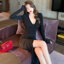 Dress Winter 2020 black S M L XL Short skirt singleton  Long sleeves commute V-neck High waist Solid color Socket One pace skirt routine Others 25-29 years old Type X ZY · HT / Ziyan Hongteng court 91% (inclusive) - 95% (inclusive) brocade polyester fiber Pure e-commerce (online only)