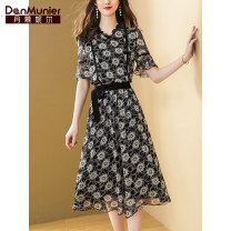Fashion suit Summer 2021 155 / 80A / s 15 days 160 / 84A / M 15 days 165 / 88a / L 15 days 170 / 92a / XL 15 days 175 / 96a / XXL 15 days black Over 35 years old Danmunier 96% and above polyester fiber Polyester 100% Pure e-commerce (online only)