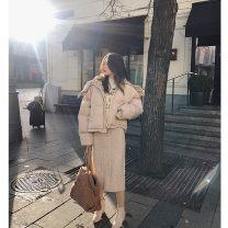 Cotton padded clothes Shallow Khaki S M L Winter of 2018 Mystery show have cash less than that is registered in the accounts Long sleeves thickening zipper commute Hood routine Straight cylinder Solid color Korean version MX18D8214 Pocket zipper 25-29 years old Polyester 100%