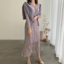 Dress Spring 2021 Average size Mid length dress Long sleeves commute V-neck High waist Broken flowers routine Others 18-24 years old Korean version 71% (inclusive) - 80% (inclusive)