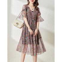 Dress Summer 2021 Red, purple and pink M,L,XL Middle-skirt Two piece set Short sleeve commute V-neck Loose waist Broken flowers Socket other routine Others 35-39 years old Type H Clothing music Korean version Auricularia auricula, Sequin A2941 More than 95% other polyester fiber