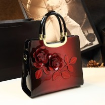 Bag handbag cowhide Princess Dai Bao brand new European and American fashion in leisure time hard zipper no Plants and flowers Single root Yes youth Vertical square flower Soft handle polyester fiber Zipper bag, mobile phone bag, certificate bag, sandwich zipper bag Inner patch pocket