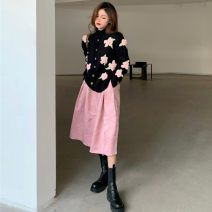 Fashion suit Spring 2021 Average size Three dimensional flower sweater, satin skirt 18-25 years old