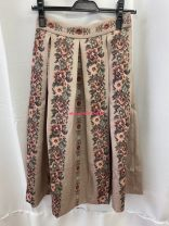 skirt Spring of 2019 Average size 1 Beige half skirt fit, 2 Pink half skirt fit, 3 milaowen blue pants s, 4 flower cream one size, 5 snidel green one size, 6 fine Decor fit one size, 7 white furfur one size