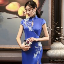 cheongsam Winter 2017 XXL,XXXL,S,M,L,XL used to describe the beautiful dress of a woman other long cheongsam Retro High slit Company annual meeting Round lapel Decor 25-35 years old Embroidery used to describe the beautiful dress of a woman Brocade 81% (inclusive) - 90% (inclusive)