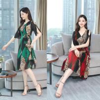 Dress Summer 2020 Red, green M,L,XL,2XL,3XL,4XL Miniskirt singleton  Short sleeve commute middle-waisted Decor Socket Irregular skirt other Others Other / other Korean version Zipper, print 5901#