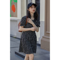 Dress Summer 2021 Black flowers S, M Mid length dress singleton  Short sleeve commute other Loose waist Broken flowers zipper Big swing other Others 18-24 years old Type H Other / other Korean version Q16364 More than 95% polyester fiber