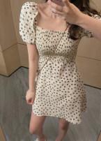Dress Summer 2021 Apricot, black Average size Short skirt singleton  Short sleeve commute square neck Broken flowers Socket A-line skirt routine Korean version 71% (inclusive) - 80% (inclusive) Chiffon