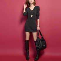 Dress Spring 2020 black S,M,L,XL,2XL Short skirt singleton  Long sleeves commute V-neck middle-waisted Solid color Socket routine Korean version Fold, thread 51% (inclusive) - 70% (inclusive) knitting acrylic fibres