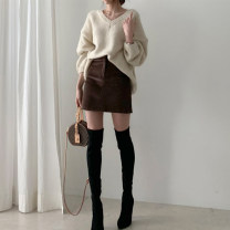 skirt Winter 2020 S,M,L Brown, apricot Short skirt commute High waist A-line skirt Solid color Type A 25-29 years old X23844 81% (inclusive) - 90% (inclusive) corduroy other Button Korean version 401g / m ^ 2 (inclusive) - 500g / m ^ 2 (inclusive)