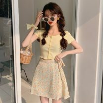 Fashion suit Summer 2021 S. M, average size Yellow jacket, purple jacket, yellow floral skirt, purple floral skirt 18-25 years old