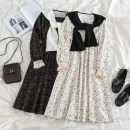 Dress Spring 2021 Off white, black Average size longuette Two piece set Long sleeves commute square neck High waist Broken flowers Socket Big swing other Others 18-24 years old Type A Korean version 51% (inclusive) - 70% (inclusive) other other