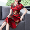 Dress Summer 2020 Red, green L,XL,2XL,3XL,4XL Mid length dress singleton  Short sleeve commute V-neck High waist Decor Socket A-line skirt routine Others 35-39 years old Type A ethnic style 81% (inclusive) - 90% (inclusive) other silk
