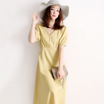 Dress Spring 2021 Light green, mustard yellow S. M, large L (110-120kg), large XL (120-130kg) longuette singleton  Short sleeve commute V-neck High waist Solid color other other routine Others 30-34 years old Type X JOLIMENT Simplicity zipper RLYQ60184 81% (inclusive) - 90% (inclusive) Chiffon other