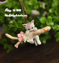 Necklace Alloy / silver / gold 51-100 yuan Pinkyy Gold chain (as shown) leather rope patting this brooch brand new female Custom made yes Fresh out of the oven 51cm (inclusive) - 80cm (inclusive) no Below 10 cm Bear / pig / animal Water wave chain