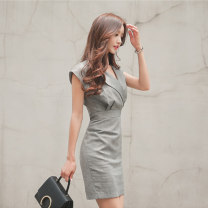 Dress Summer 2021 grey S,M,L,XL Short skirt singleton  Sleeveless commute V-neck High waist Solid color zipper One pace skirt other Others 25-29 years old Type X Korean version zipper 71% (inclusive) - 80% (inclusive) brocade cotton