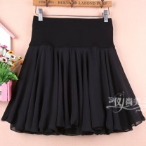 skirt Summer 2020 M11 is for a waist of 1'9 to 2'1, L13 is for a waist of 2'2 to 2'4, XL15 is for a waist of 2'4 to 2'6 black Short skirt Versatile High waist Fluffy skirt Solid color Type A 91% (inclusive) - 95% (inclusive) Chiffon other