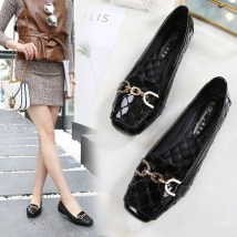 Low top shoes 35 36 37 38 39 40 41 Other / other Black Plush grey black pink off white Square head Flat bottom Patent leather Shallow mouth Low heel (1-3cm) PU Spring 2017 Trochanter leisure time Adhesive shoes Youth (18-40 years old) Solid color rubber Lazy shoes Embroidered metal lattice PU daily