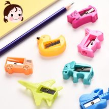 Pencil sharpener / sharpener Qing rang Elephant airplane dolphin guitar truck curved edge rabbit kitten bird duckling forty-four thousand nine hundred and eight Plastic
