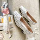 Low top shoes 35,36,37,38,39 white Square head Textile Thick heel Middle heel (3-5cm) Shallow mouth Superfine fiber Spring 2020 Trochanter Europe and America Adhesive shoes Youth (18-40 years old) Solid color rubber Mary Jane shoes Shallow mouth, bow tie, thick heel Microfiber skin daily Napa