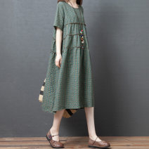 Dress Summer 2021 Green grid, red grid M,L,XL,2XL Mid length dress singleton  Short sleeve commute Crew neck Loose waist lattice Socket Pleated skirt Korean version fold 31% (inclusive) - 50% (inclusive) cotton