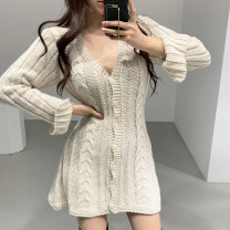Wool knitwear Autumn of 2019 Average size Grey, apricot, green Long sleeves singleton  Cardigan acrylic fibres 31% (inclusive) - 50% (inclusive) Medium length routine Sweet Self cultivation V-neck pagoda sleeve 18-24 years old college