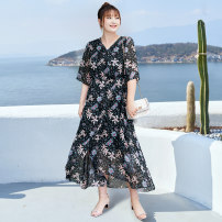 Women's large Summer 2021 Classic black stock, classic black 2XL,3XL,4XL,5XL,6XL,XL Dress singleton  commute Self cultivation thin Conjoined elbow sleeve Broken flowers lady V-neck Polyester, others T2105034 MS she / mu Shan Shiyi 25-29 years old Bright silk 96% and above longuette