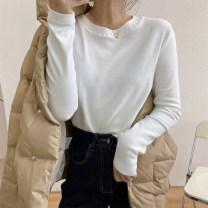 T-shirt White, black, khaki M, L Winter 2020 Long sleeves Crew neck Straight cylinder Regular routine commute cotton 86% (inclusive) -95% (inclusive) 25-29 years old Simplicity Solid color Other / other