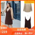 Women's large Winter 2020 Khaki (shirt), brown (dress) Large XL, 2XL, 3XL, 4XL, 5XL, 6xl Two piece set commute Self cultivation moderate Long sleeves Solid color Korean version stand collar routine Polyester, others Three dimensional cutting QD888 Delicate and beautiful 25-29 years old Medium length