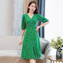 Dress Summer 2021 green S M L XL XXL Mid length dress singleton  elbow sleeve commute V-neck middle-waisted Broken flowers Socket A-line skirt puff sleeve Others 25-29 years old Type A Meng Jia Xian Yi lady Pleated printing MJQY21X-0317-11 More than 95% polyester fiber Polyester 100%