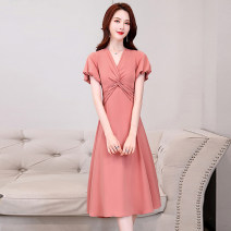 Dress Summer 2020 M L XL XXL XXXL Mid length dress singleton  Short sleeve commute V-neck middle-waisted Solid color Socket A-line skirt Wrap sleeves Others 25-29 years old Type A Meng Jia Xian Yi lady Pleated pleated zipper More than 95% Chiffon polyester fiber Polyester 100%