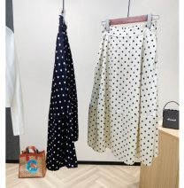 skirt Summer 2020 S,M,L Black, apricot Short skirt commute High waist A-line skirt Solid color Type A 25-29 years old 71% (inclusive) - 80% (inclusive) other Tagkita / she and others Cellulose acetate Asymmetric, button, zipper