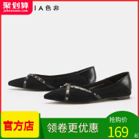 Low top shoes 35,36,37,38,39 Feiccia / sefei Black (7.10), caramel (7.10), red (7.10) Sharp point Textile Flat bottom Low heel (1-3cm) Shallow mouth PU Autumn of 2019 Trochanter Europe and America Adhesive shoes Youth (18-40 years old) Solid color rubber Single shoes Shallow mouth Sheepskin daily