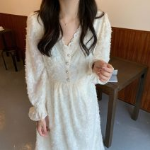 Dress Spring 2021 Black, beige Average size Mid length dress singleton  Long sleeves commute V-neck Solid color Socket pagoda sleeve Others 18-24 years old Korean version 71% (inclusive) - 80% (inclusive)