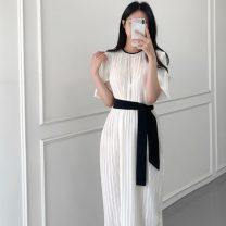 Dress Summer 2020 white Average size Mid length dress singleton  Short sleeve commute Crew neck Elastic waist Solid color Socket Pleated skirt routine Others 18-24 years old Type A Other / other Korean version fold 81% (inclusive) - 90% (inclusive) other other
