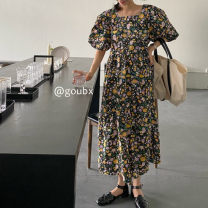 Dress Summer 2021 Purple, green, black Average size Mid length dress singleton  Short sleeve commute Crew neck Loose waist Broken flowers Socket A-line skirt routine Others 18-24 years old Type A Korean version other other