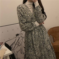 Dress Spring 2021 Leopard Print Average size Mid length dress singleton  Long sleeves commute V-neck Socket Others 18-24 years old Korean version printing 31% (inclusive) - 50% (inclusive) other nylon