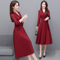 Women's large Spring 2021 Red and black M L XL XXL XXXL 4XL Dress singleton  commute Self cultivation Socket Long sleeves Solid color Korean version V-neck Medium length polyester routine Huangge 35-39 years old Medium length Other polyester 95% 5% Pure e-commerce (online only) other