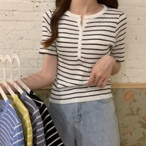 T-shirt Gray, white, blue, yellow, black Average size Summer 2021 Short sleeve V-neck Self cultivation have cash less than that is registered in the accounts routine commute other 31% (inclusive) - 50% (inclusive) 18-24 years old Korean version youth Thin horizontal stripe Other / other W0417