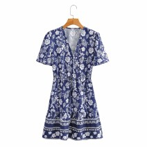 Dress Summer 2021 As shown in the figure S,M,L Short skirt Short sleeve street V-neck High waist 18-24 years old 81% (inclusive) - 90% (inclusive) Europe and America