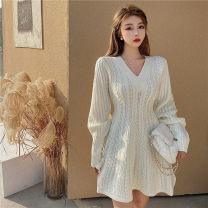 Dress Winter 2020 White, black Average size 51% (inclusive) - 70% (inclusive)