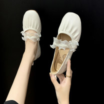 Low top shoes 36,37,38,39,40 Other / other White, apricot Round head PU Flat bottom Flat heel (1cm or less) Shallow mouth PU Spring 2021 Trochanter Korean version Adhesive shoes Youth (18-40 years old) Solid color rubber Single shoes Shallow mouth PU daily Face dressing