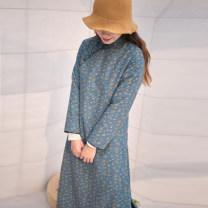 cheongsam Winter 2020 M (for net waist 1.8-2.2 feet), l (for net waist 2.3-2.5 feet) Orange, peacock blue Long sleeves long cheongsam Retro Low slit daily Oblique lapel Decor Piping Yu Xiang cotton 51% (inclusive) - 70% (inclusive)