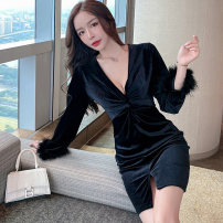 Dress Winter 2020 black S,M,L Short skirt singleton  Long sleeves commute V-neck middle-waisted Solid color Socket One pace skirt routine Others 25-29 years old Type X Korean version Fold, splice