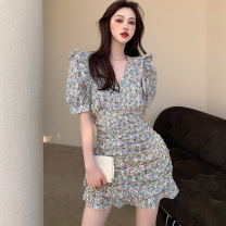 Dress Summer 2021 Picture color S, M Short skirt singleton  Short sleeve commute V-neck High waist Broken flowers One pace skirt puff sleeve 18-24 years old Type A Retro fold Four point eight 31% (inclusive) - 50% (inclusive)