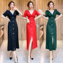 Dress Summer 2021 Red, green, black S,M,L Mid length dress singleton  Short sleeve commute V-neck middle-waisted Solid color zipper A-line skirt lady Stitching, buttons, lace 81% (inclusive) - 90% (inclusive) brocade cotton