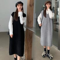 Wool knitwear Winter 2020 Average size Black woolen dress, gray woolen dress, white shirt Sleeveless singleton  Socket other 31% (inclusive) - 50% (inclusive) Medium length routine commute easy V-neck Solid color Socket Korean version 18-24 years old